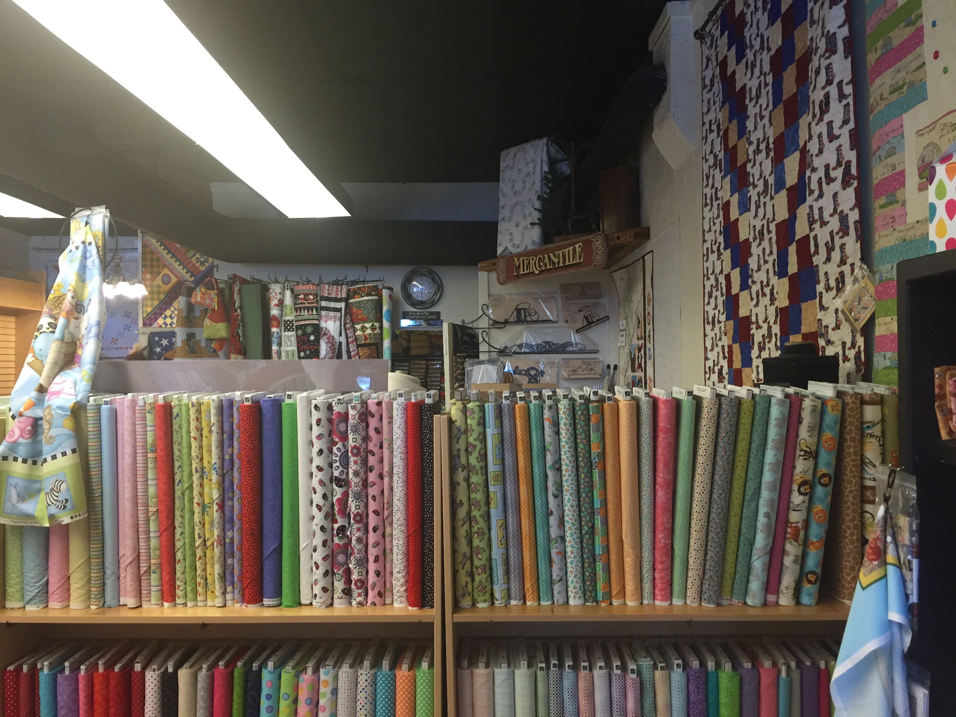Quilt Shop Review – Na-La's Quilt Shoppe, Fountain Colorado | Pink ... : colorado quilt shops - Adamdwight.com